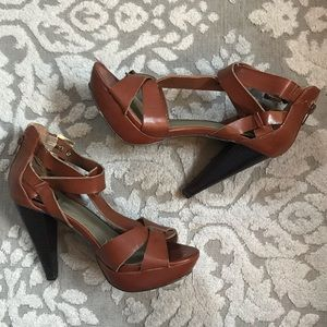 """4"""" sandal heel- G by Guess- size 7.5"""